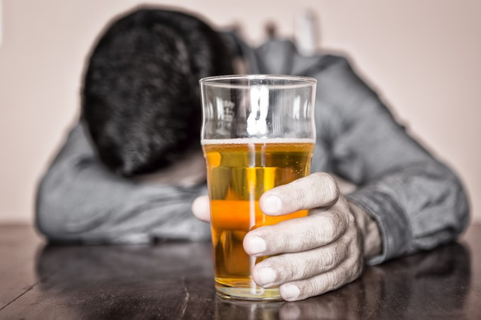 Control Alcohol Drinking With Neurofeedback